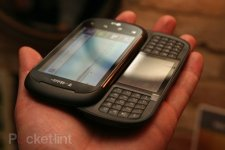 lg-qwerty-dual-screen-android-phone-7