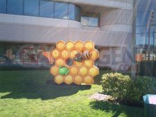 statue-honeycomb-google-plex-mountain-view-android