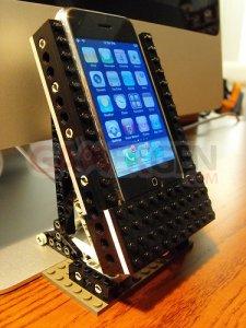 dock-smartphone-lego