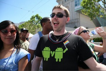 Google Android T-shirt Gay Pride