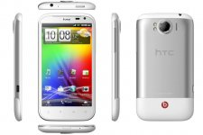 htc-sensation-xl-press-shot-4