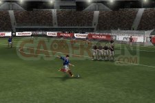 Images-Screenshots-Captures-Pro-Evolution-Soccer-2011-PES-320x480-10022011