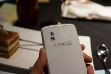 lg-google-nexus-4-blanc-photo- (3)