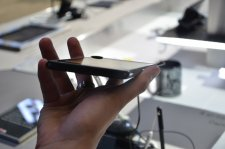 mwc-2012-barcelone-prise-en-main-test-hands-on-lg-4g-lte-optimus-vu__03