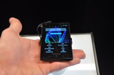 mwc-2012-panasonic-prise-en-main-review-gamme-eluga-water-proof__03