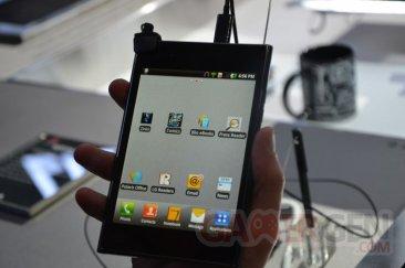 mwc-2012-stand-lg-lte-4g-vu-optimus_00