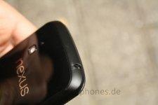 Nexus-4-droptest-fuchsphone-2