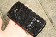 Nexus-4-droptest-fuchsphone-9