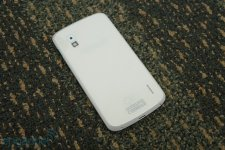 Nexus-4-modele-blanc (2)