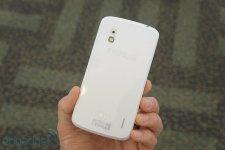 Nexus-4-modele-blanc (9)