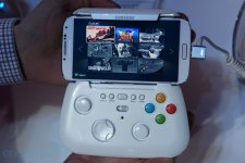 Samsung Galaxy S IV prototype manette images screenshots  01