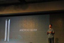 samsung-galaxy-nexus-presentation-android-beam