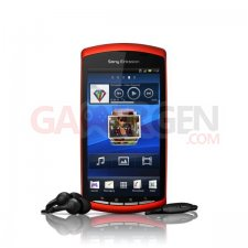 Sony Ericsson Xperia Play - Coloris orange PIC2